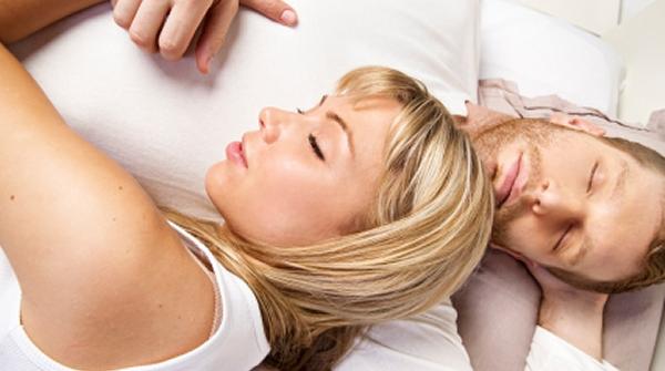 Женщина готовится ко сну порно видео163