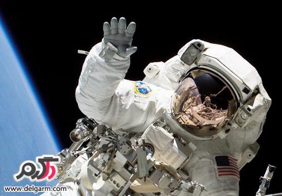 لباس فضانوردان،آیا فضانوردان بدون لباس در فضا زنده می مانند؟