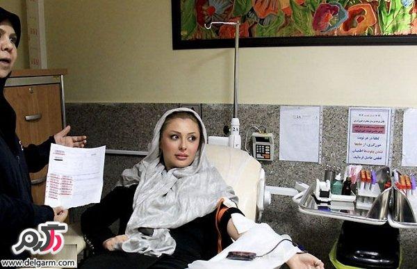 تصاویر نیوشا ضیغمی در حال اهدای خون