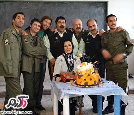 تصاویر مرجانه گلچین در کنار بازیگران سریال شاهگوش در جشن تولدش