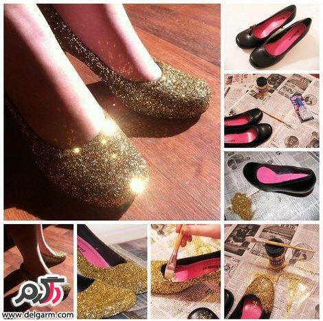 تزیین کفش پاشنه بلند با اکلیل طلایی