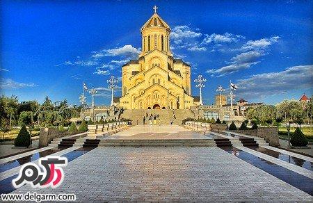 معرفی کلیسای جامع تثلیث همراه با تصاویری دیدنی از آن