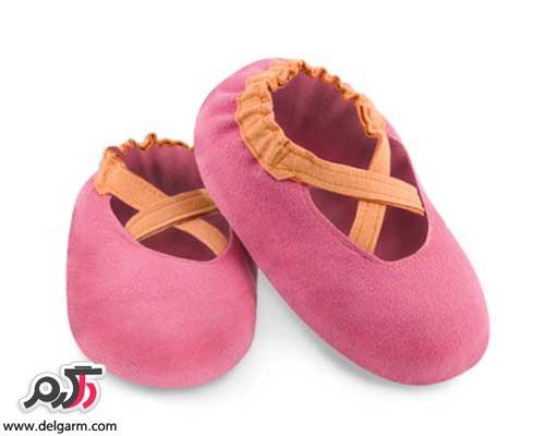 کفش های جدید بچگانه