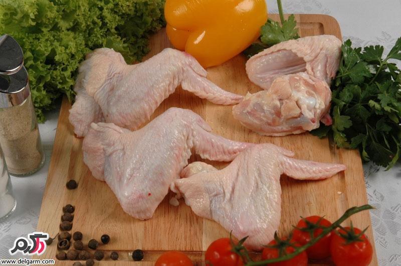 مضرات خوردن کتف و بال مرغ را میدانید؟