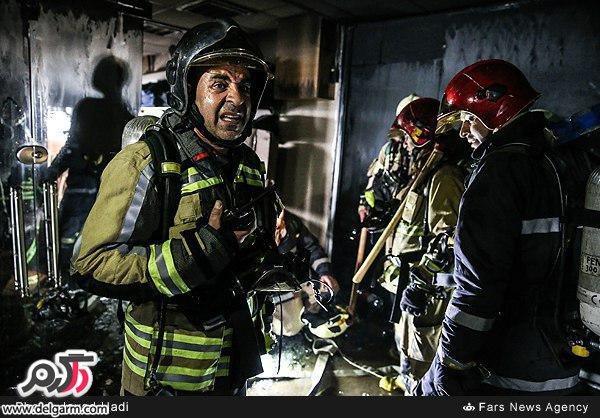 حضور آتش نشانان در ساختمان پلاسکو قبل از قبل از فروريختن ساختمان