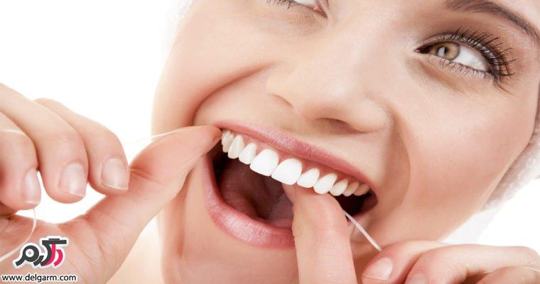 بهترین وقت نخ دندان کشیدن چه زمانی است؟