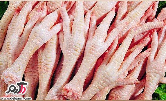 از بین بردن چین و چروک صورت با پای مرغ