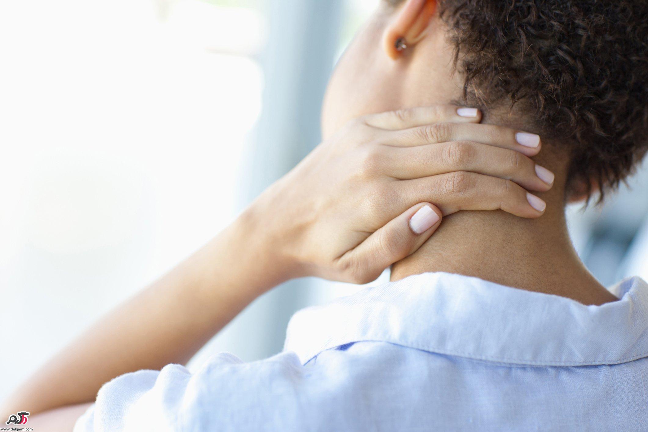علت گردن درد و درمان این عارضه