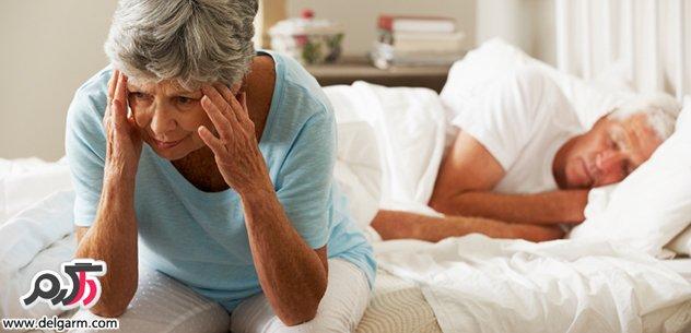 علت بی خوابی در زنان مسن