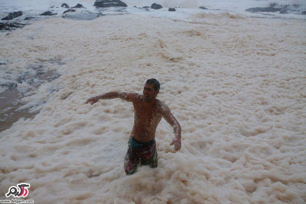 جمع شدن کف در سواحل استرالیا