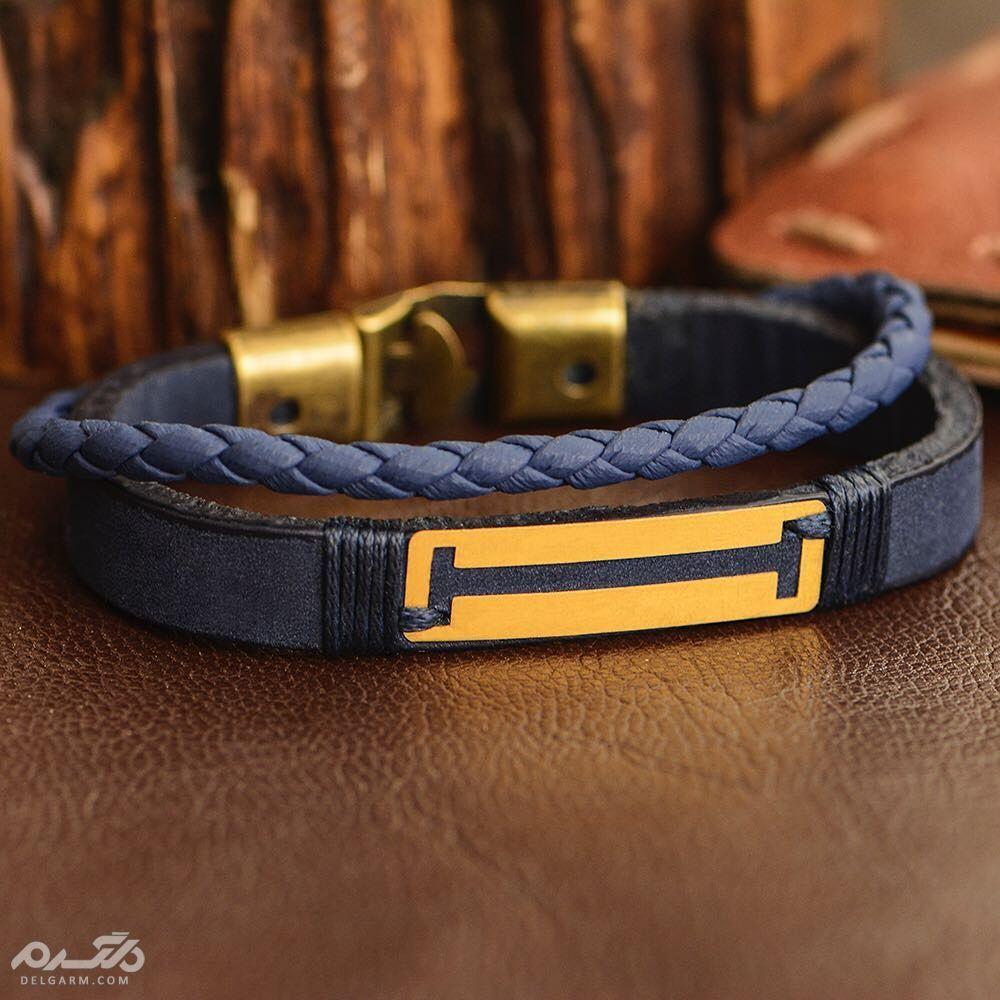 دستبند چرم مردانه با پلاک طلا طرح خط دار