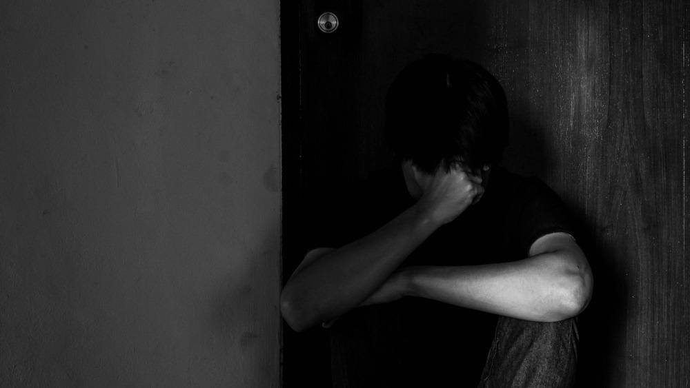 عکس غم انگیز گریه کردن مرد ، عکس چشم خیس مردها ، عکس اشک ریختن مرد برای پروفایل پسرانه ، عکس غمگین گریه کردن مرد ، عکس چشمان خیس مرد برای استوری و استاتوس، عکس بغض کردن همراه با گریه برای پسرها، عکس گریه کردن مرد برای بک گراند موبایل و لپ تاپ ،عکس شکستن دل و اشک ریختن برای استانوس واتس اپ ، گالری عکس جدید گریه کردن مرد
