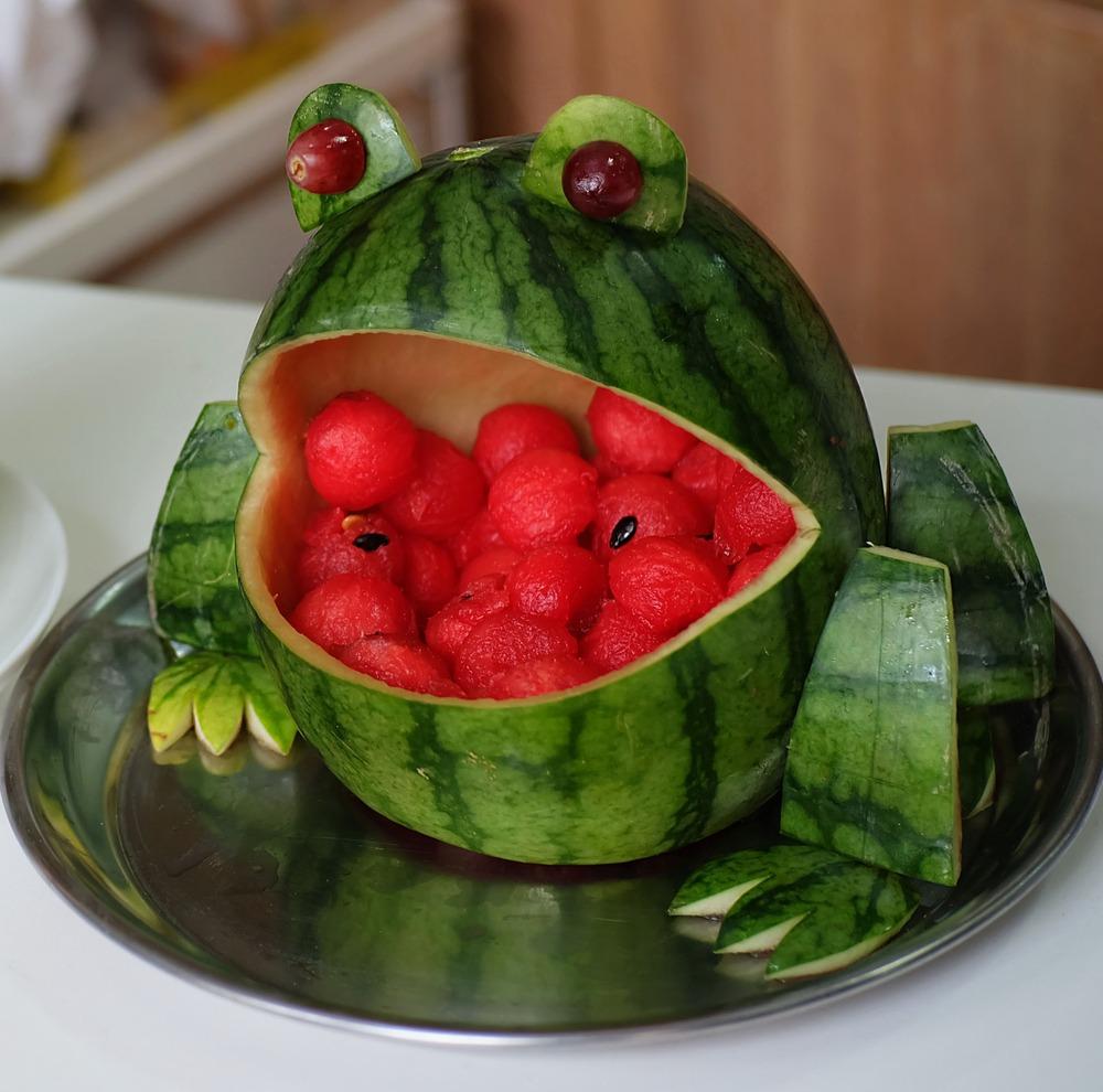 ۱۵ عکس لاکچری تزیین هندوانه شب یلدا