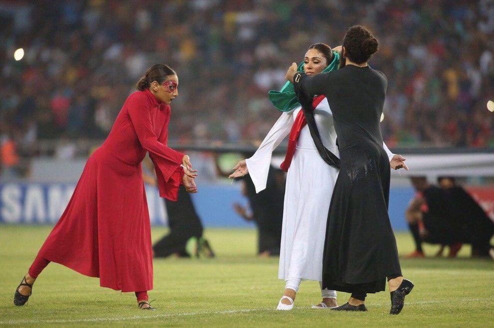 رقص زنان در ورزشگاه کربلای عراق جنجالی شد