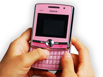 qwertymobile-phones-qwerty-keyboard-noklae97-1