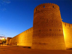 درباره ارگ کریمخانی شیراز بیشتر بخوانید