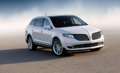 2014-lincoln-mkt-ecoboost-v6-model-shown