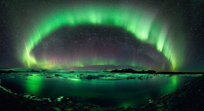 iceland-aurora-110517