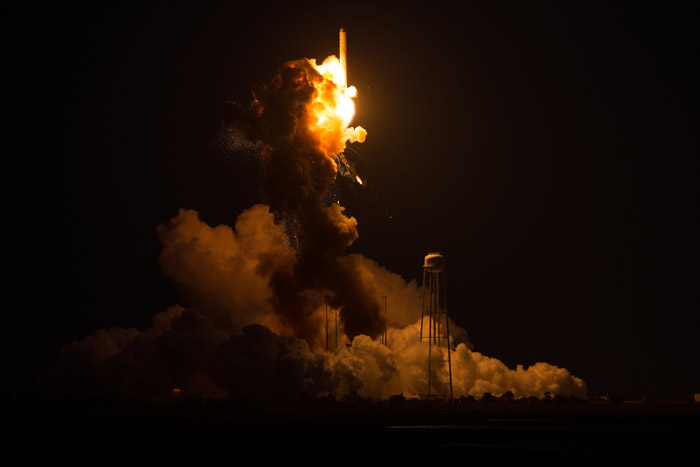 antares-rocket-explosion-orb3-nasa-photo-4
