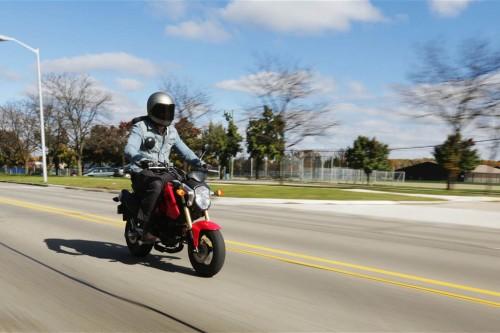 بررسی موتورسیکلت هوندا گروم ۲۰۱۴