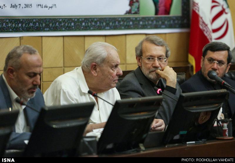 نشست علی لاریجانی با فعالان آزادی قدس شریف