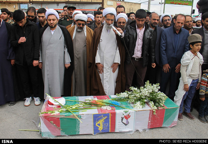 تشییع پیکر شهید مدافع حرم در بروجن