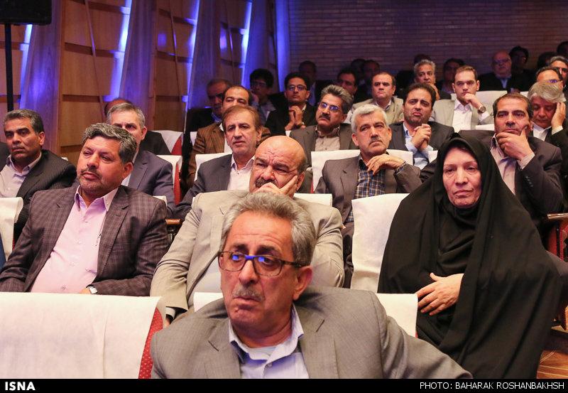 نشست توسعه ظرفیتهای سرمایه گذاری استان یزد با حضور رییس جمهور