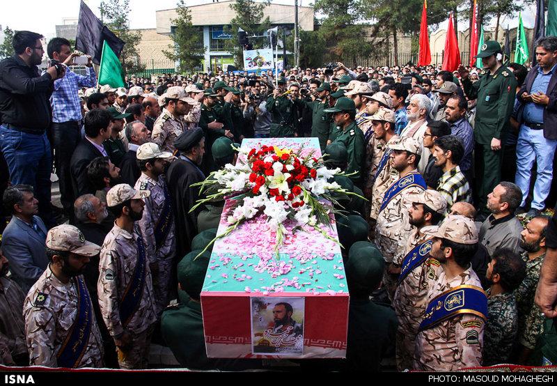 تشییع پیکر شهید مدافع حرم در سمنان