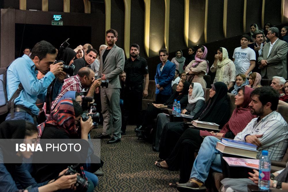 جشن گلریزان آزادی زندانیان