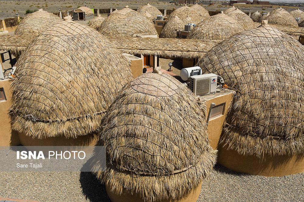 ساخت نخستین هتل کپری در جنوب استان کرمان