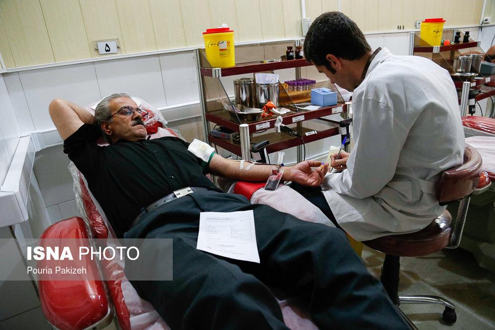 اهدای خون در شب بیست و یکم ماه مبارک رمضان