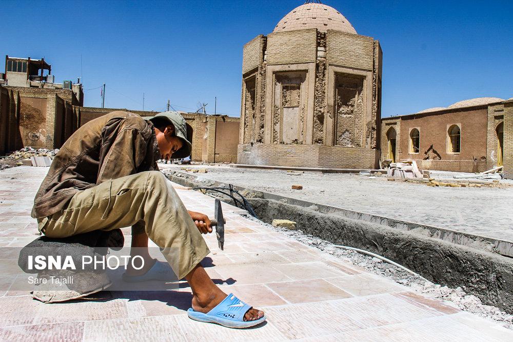 مرمت و بازسازی آرامگاه خواجه اتابک سلجوقی و حمام تاریخی باغ لله- کرمان