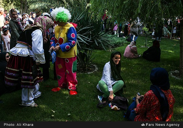 شادپیمایی جشنواره نمایش عروسکی