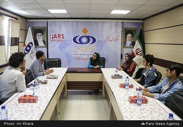 بازدید گروه نمایش عروسکی گنبد به دوش از خبرگزاری فارس