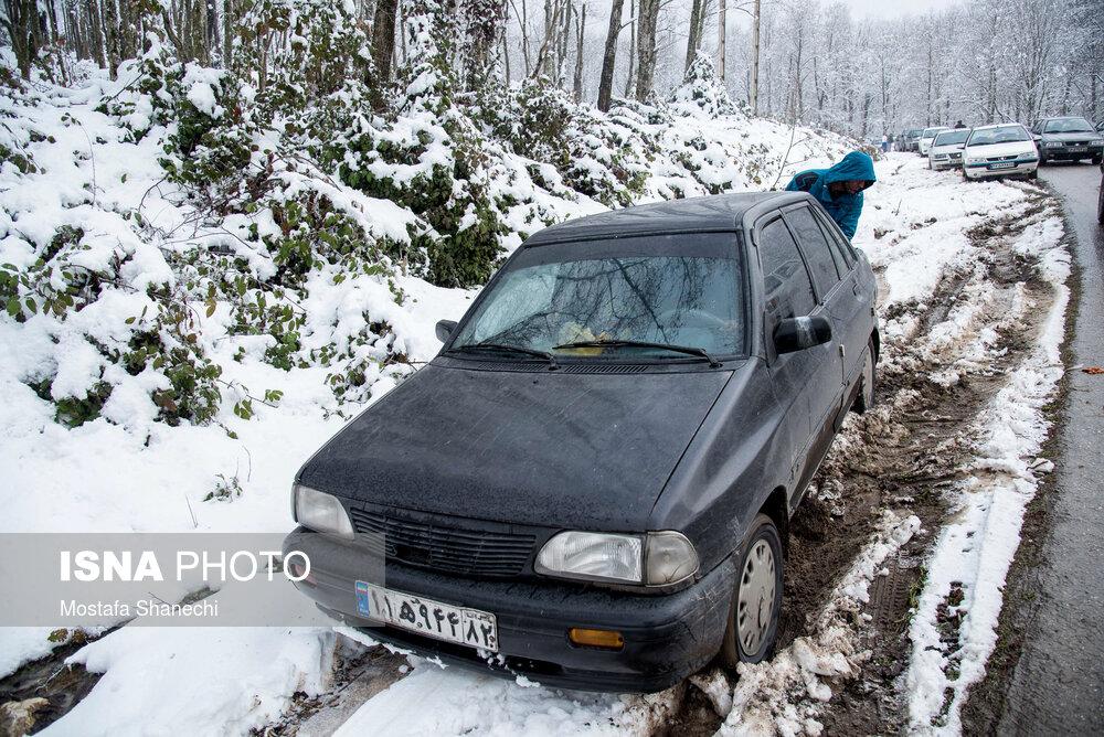 تصاویر بارش برف و یخبندان در تبریز و رشت