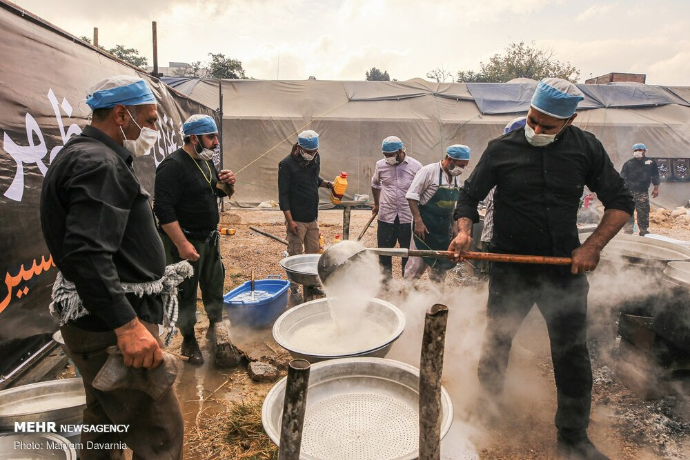 تصاویر پخت 72 دیگ غذای نذری ظهر عاشورا