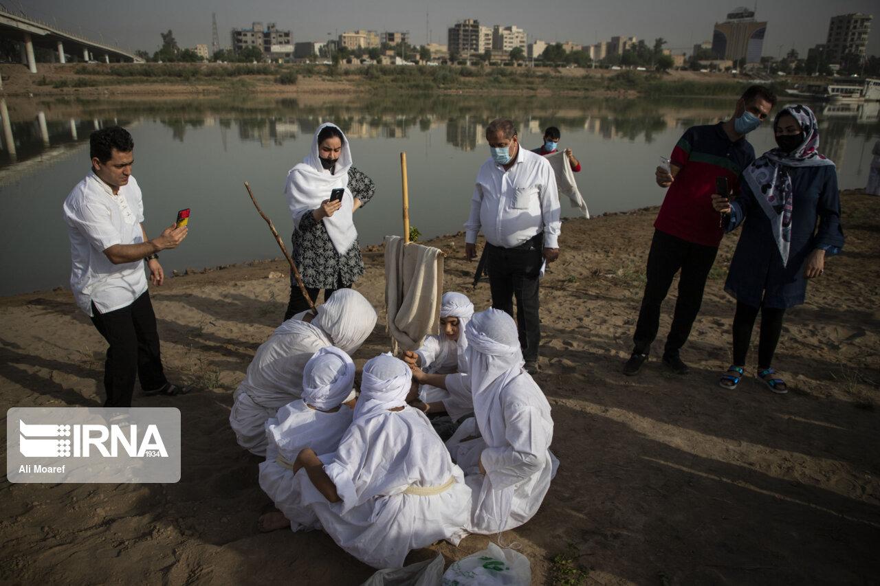 تصاویر مراسم غسل تعمید کودکان مندایی در اهواز