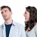 علت بد اخلاقی و تندی خانم ها در زمان شروع عادت ماهانه + درمان