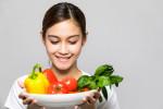 با ۱۶ خوراکی بی نظیر که باعث کاهش وزن چشمگیر میشود آشنا شوید