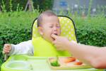 پریدن جسم در گلوی کودک،جلوگیری از خفگی کودک چگونه ممکن است؟
