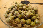 طرز تهیه زیتون پرورده خوشمزه با گردو و انار