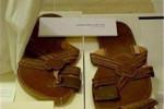 جنجال دمپایی آل سعود در موزه عکس