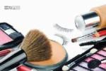 قبل از خوابیدن مواد آرایشی صورتتان را تمیز کنید