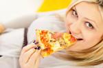 آیا خوردن پنیر پیتزا در طول بارداری خطر دارد؟