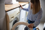 10 دلیل لرزش و تکان خوردن بیش از حد ماشین لباسشویی هنگام کار کردن
