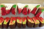 طرز تهیه کیک تابه ای هندوانه ای مناسب برای شب یلدا