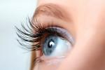 پریدن پلک چشم،چرا دچار پرش پلک چشم میشویم؟
