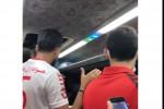 جشن و شادی بازیکنان پرسپولیس در اتوبوس