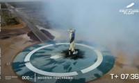 جف بزوس با اولین پرواز سرنشین دار با موفقیت به فضا سفر کرد