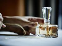 ۱۲ عطر خنک و شیرین زنانه ژیوانشی   خوشبوترین های جیوانچی